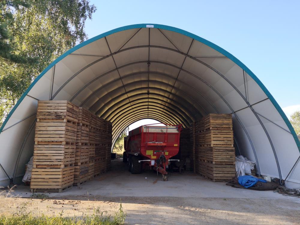 Hala tunelowa od firmy Arbena jako magazyn przemysłowy na palety